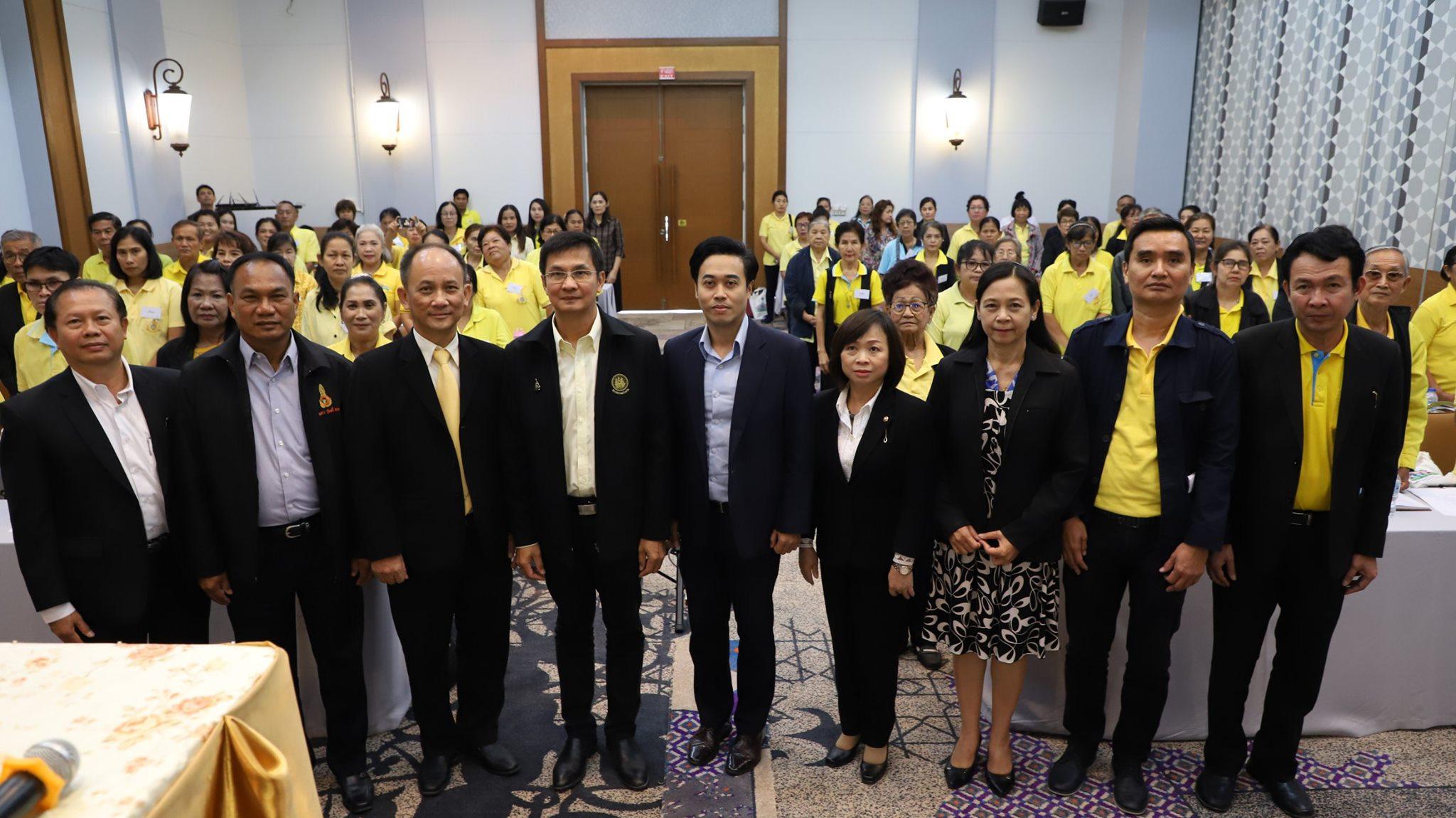 ที่ปรึกษารัฐมนตรีว่าการกระทรวงแรงงาน รศ.ดร.จักษ์  พันธ์ชูเพชร เป็นประธานในพิธีเปิดโครงการสร้างเสริมศักยภาพเครือข่ายอาสาสมัครแรงงาน ณ โรงแรม เซ็นทรัลเพลส จังหวัดสมุทรสาคร